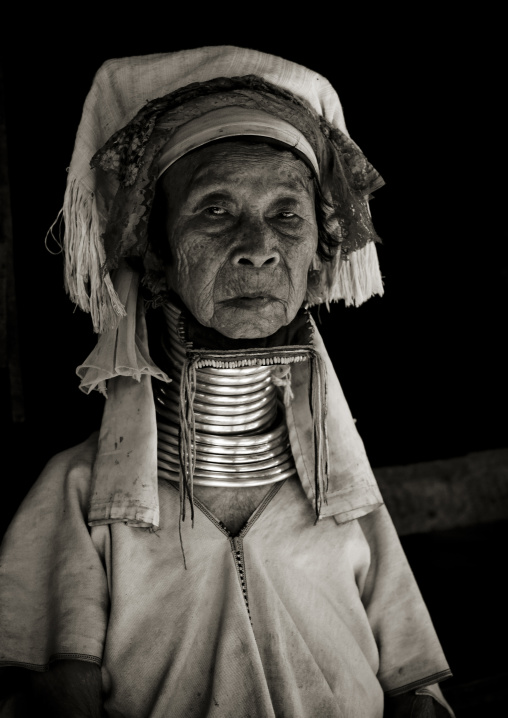 Long neck old woman, Nam peang din village, North thailand