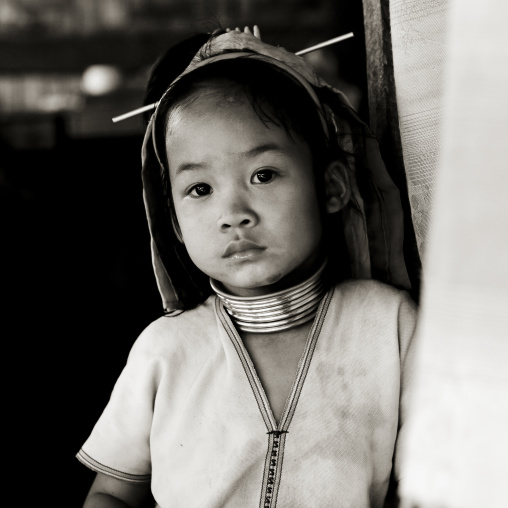 Long neck kid in nam peang din village, North thailand