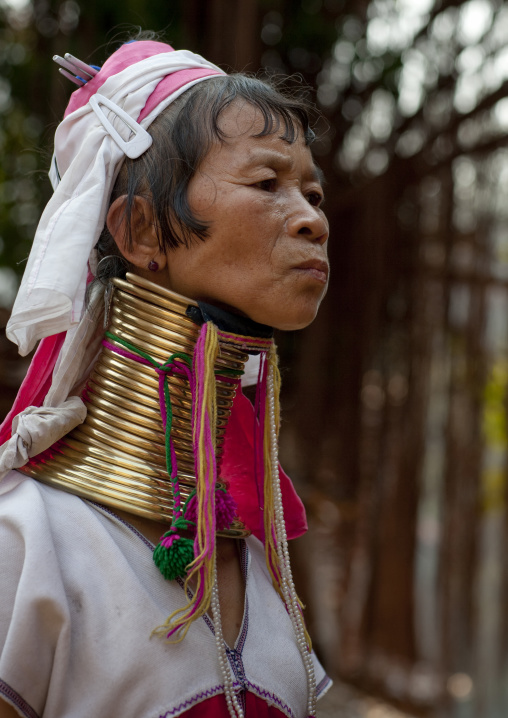 Long neck woman, Nam peang din village, North thailand