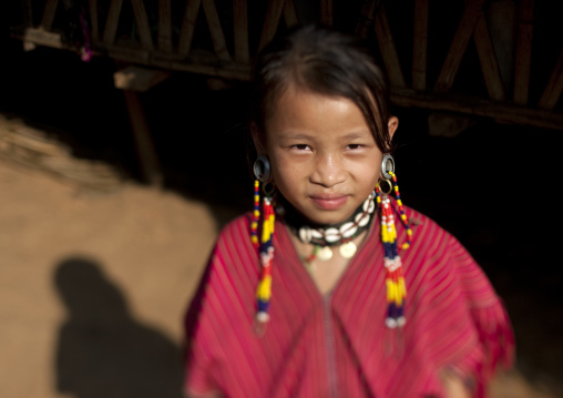 Kor yor tribe girl, Nam peang din village, North thailand