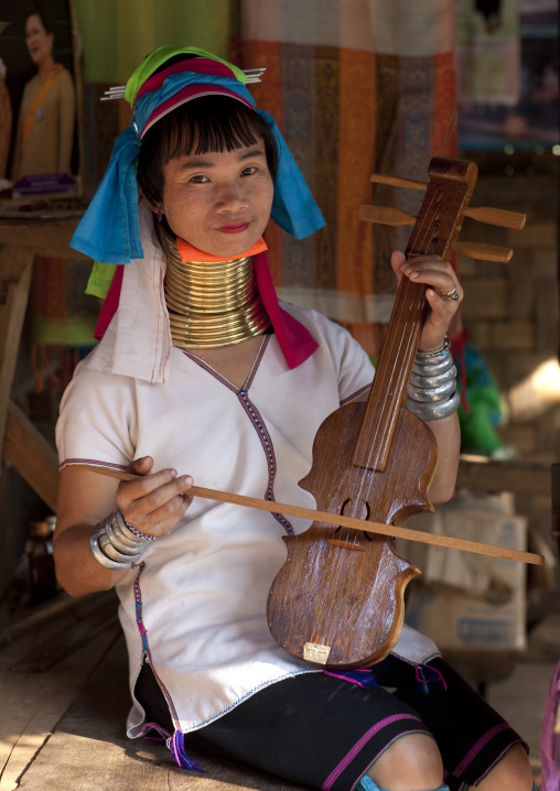 Miss mache, Karen long neck nam peang din village, On river pai thailand