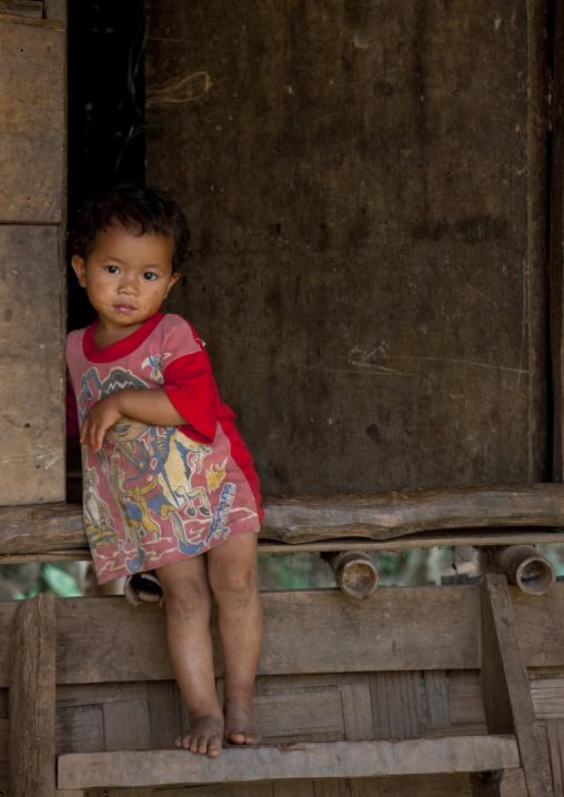 Mae soi-u karen village girl, Thailand