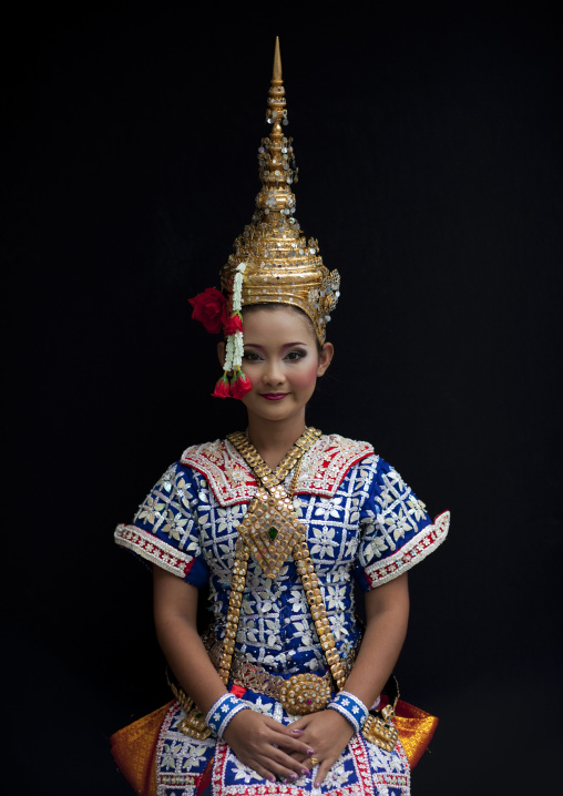 Thai dancer at phra brahma erawan, Bangkok, Thailand