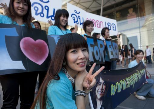 Pop star fans, Bangkok, Thailand
