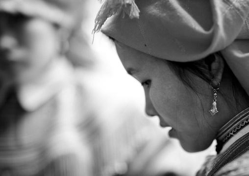 Flower hmong woman with a headscarf, Sapa, Vietnam