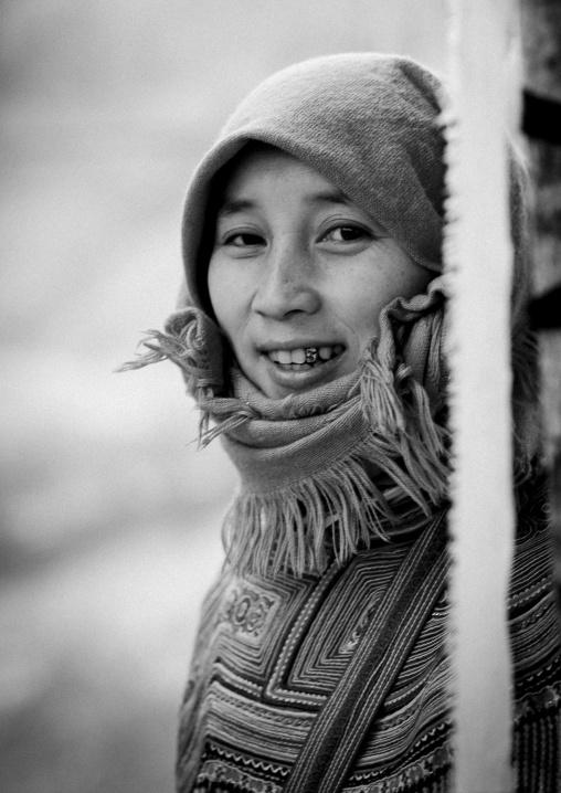 Veiled flower hmong woman at sapa market, Vietnam