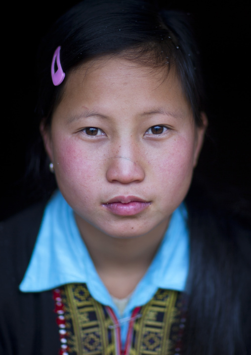 Red dzao girl, Sapa, Vietnam
