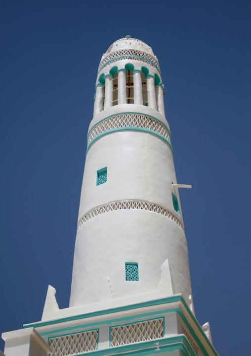Green And White Painted Minaret, Hadramaut, Yemen