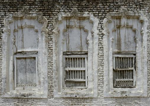 Wooden Sculpted Windows Painted In White, Zabid, Yemen